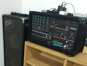 オーディオ機器も完備しています。<